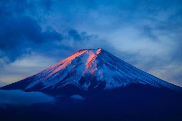 Mt. Fuji with Chureito Pagoda in autumn, Fujiyoshida, Japan Mt. Fuji with Chureito Pagoda in autumn, Fujiyoshida, Japan shinto shrine stock pictures, royalty-free photos & images