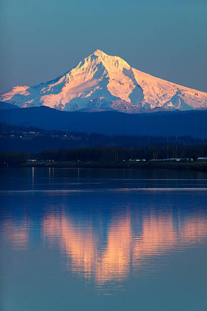 Berg Mount Hood Columbia River Oregon Reflexion. – Foto