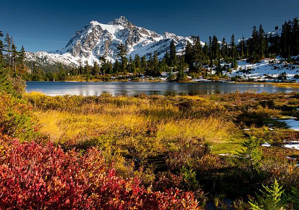 Monte Shuksan - foto de acervo