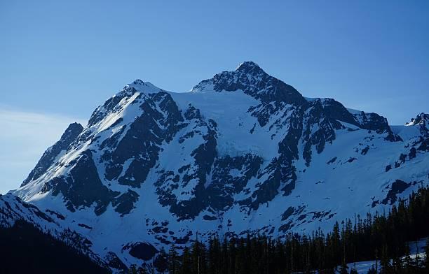 Monte Shuksan sombra - foto de acervo