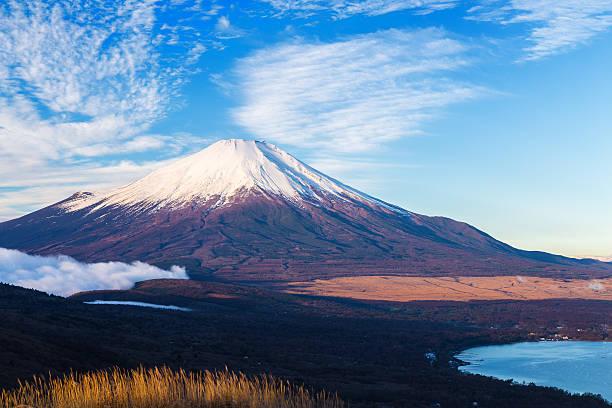 mt.fuji - yamanaka lake ストックフォトと画像