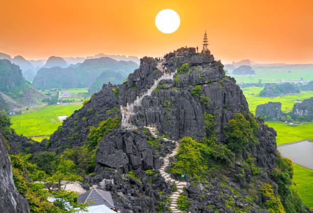 Mua Höhle Bergblick, atemberaubende Aussicht auf Tam Coc, Vietnam – Foto