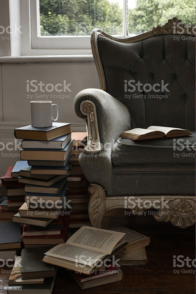 mug and pile of books  - Royalty-free Absence Stock Photo