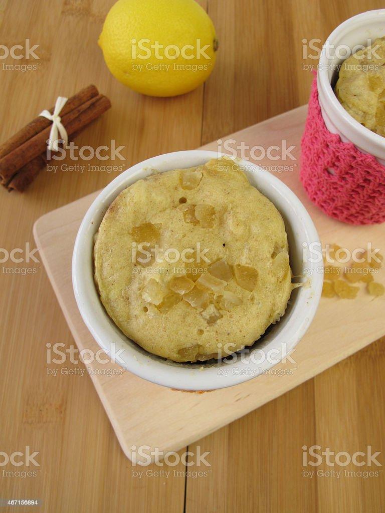 Tasse Kuchen Aus Zimt Succade Eine Mikrowelle Mit Stock Fotografie