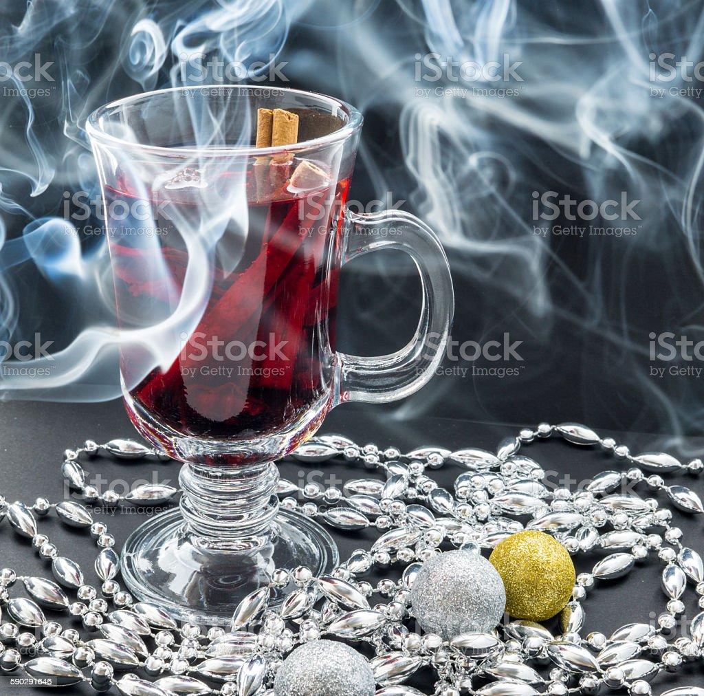 Mulled wine, smoke and christmas decoration royaltyfri bildbanksbilder