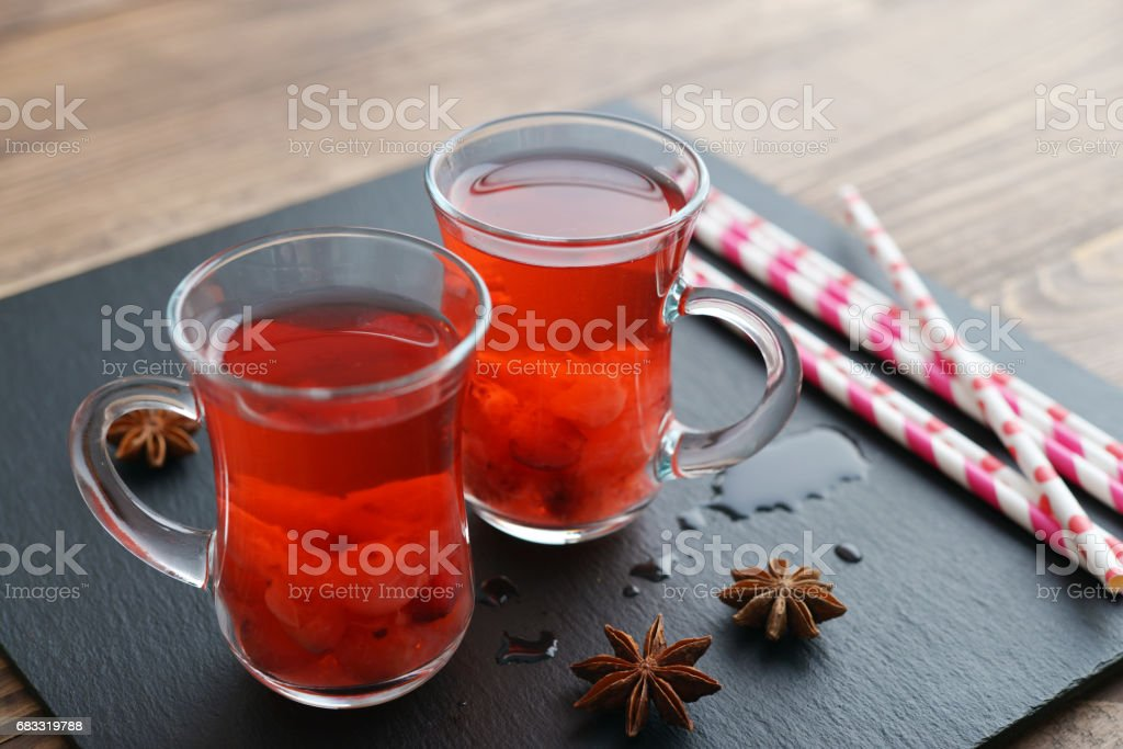 Mulled wine with fresh cranberry foto stock royalty-free