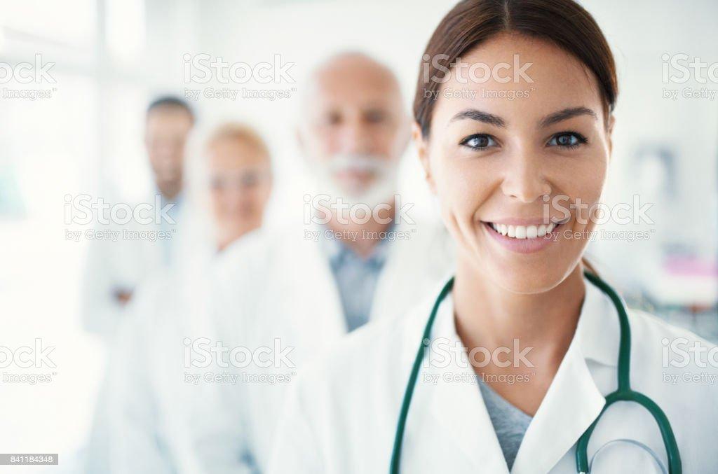 Multi im Alter Ärzteteam. – Foto