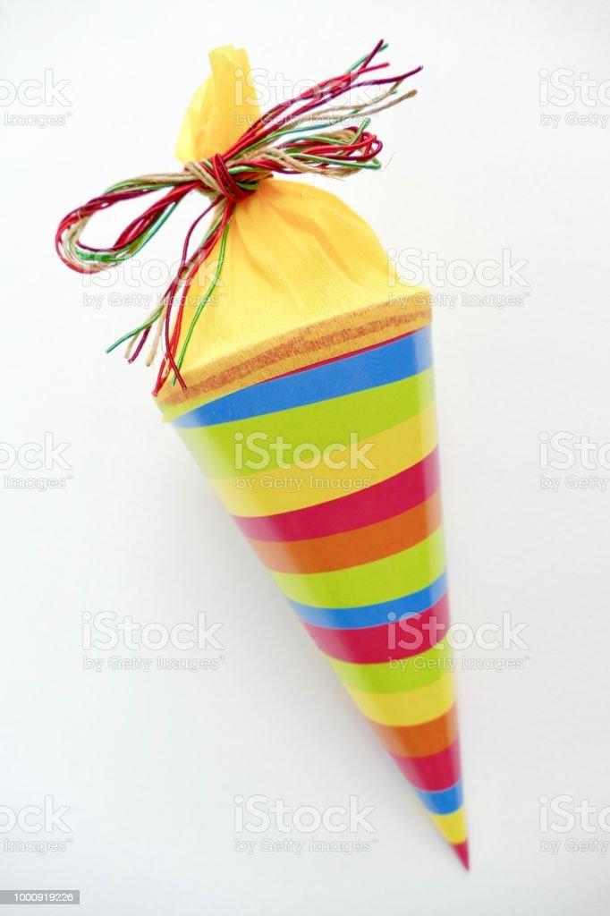 Multi farbige konische Beutel mit Süßigkeiten - Lizenzfrei Schultüte Stock-Foto
