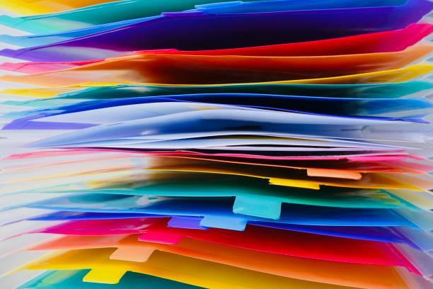 multi farbige datei veranstalter von oben - bibliothekschilder stock-fotos und bilder