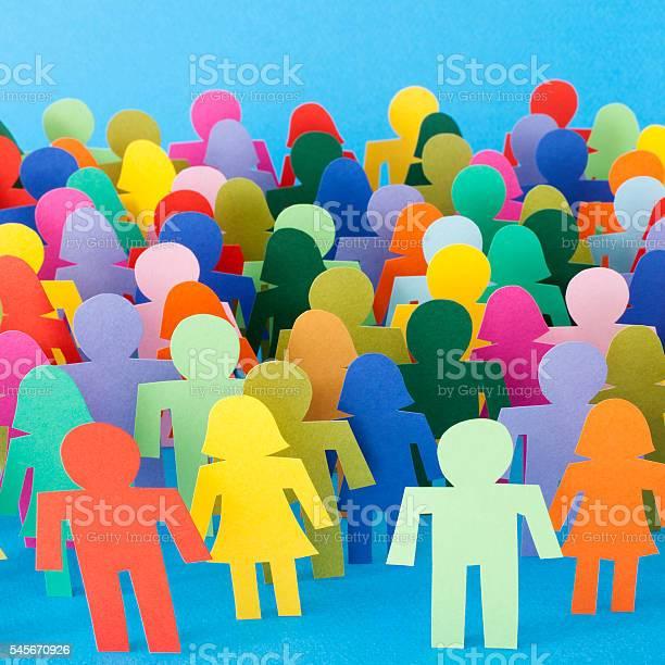 Mehrfarbiges Anonyme Menschenmenge Stockfoto und mehr Bilder von Ausdruckslos