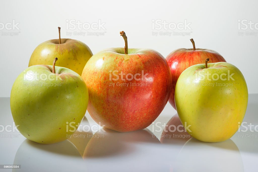 Multi-colored apples on a white background Lizenzfreies stock-foto