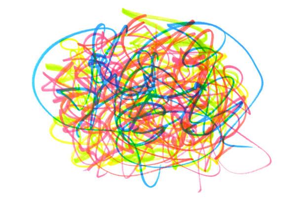 bunte doodle filzstifte auf weißem hintergrund - scribble stock-fotos und bilder