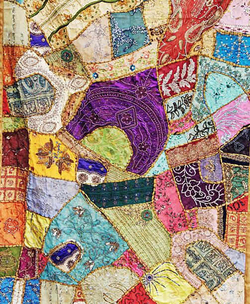 bunte handgemachte patchwork von rajasthan, indien - patchworkstoffe stock-fotos und bilder