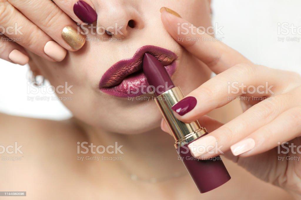 Diseño De Uñas Multicolor Moda Borgoña Esmalte De Uñas Y