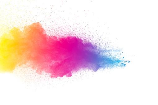 Photo libre de droit de Explosion De Poudre Multicolore Isolée Sur Fond Blanc Couleur Splash Nuage De Poussière Sur Fond Blanc Lancé De Microparticules Colorées Sur Fond Blanc banque d'images et plus d'images libres de droit de Abstrait