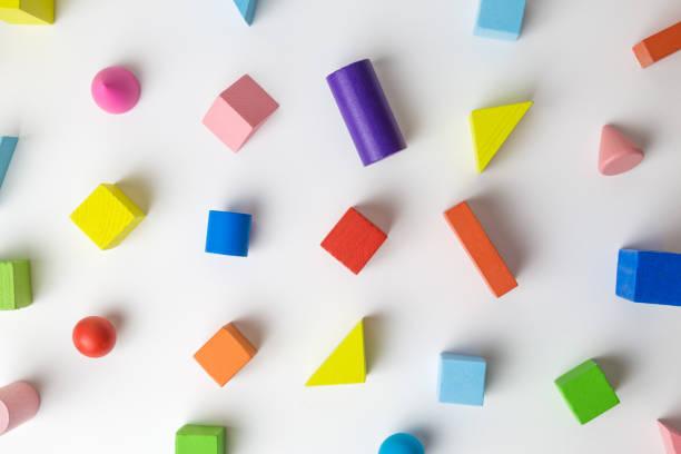 Conjunto multicolor de formas 3D juguete patrón abstracto de fondo. - foto de stock