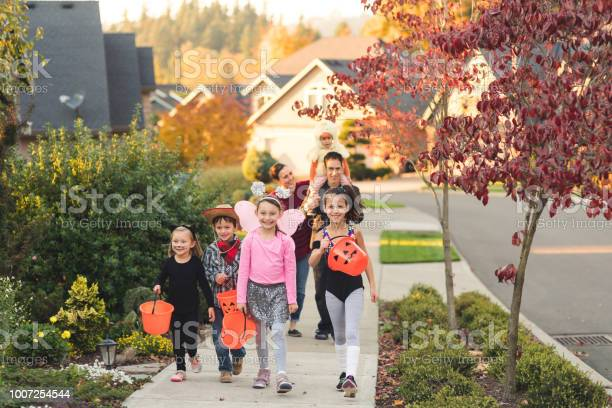 Multiethnic group of kids trick or treating picture id1007254544?b=1&k=6&m=1007254544&s=612x612&h=ya5xujkg2tuzctn1pb qjp6qk4lb8yy0bmcskrlhjcw=