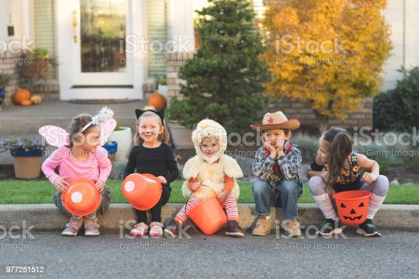 Multiethnic group of kids trick or treating picture id977251512?b=1&k=6&m=977251512&s=612x612&h=kp0eo7lm0osg7udjl3enfxyhgom71vcullusttxwkoy=