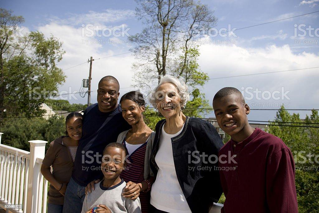 Mit der ganzen Familie auf Veranda Lizenzfreies stock-foto