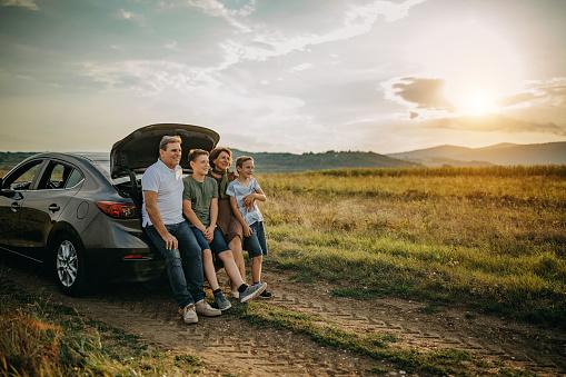 Multigenerational family traveling
