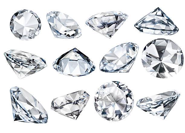 diversi diamanti isolato su bianco sfaccettate a varie angolazioni clipping path - brillante foto e immagini stock