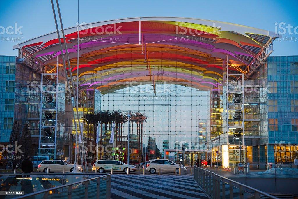 Aeropuerto de Munich en el crepúsculo - foto de stock