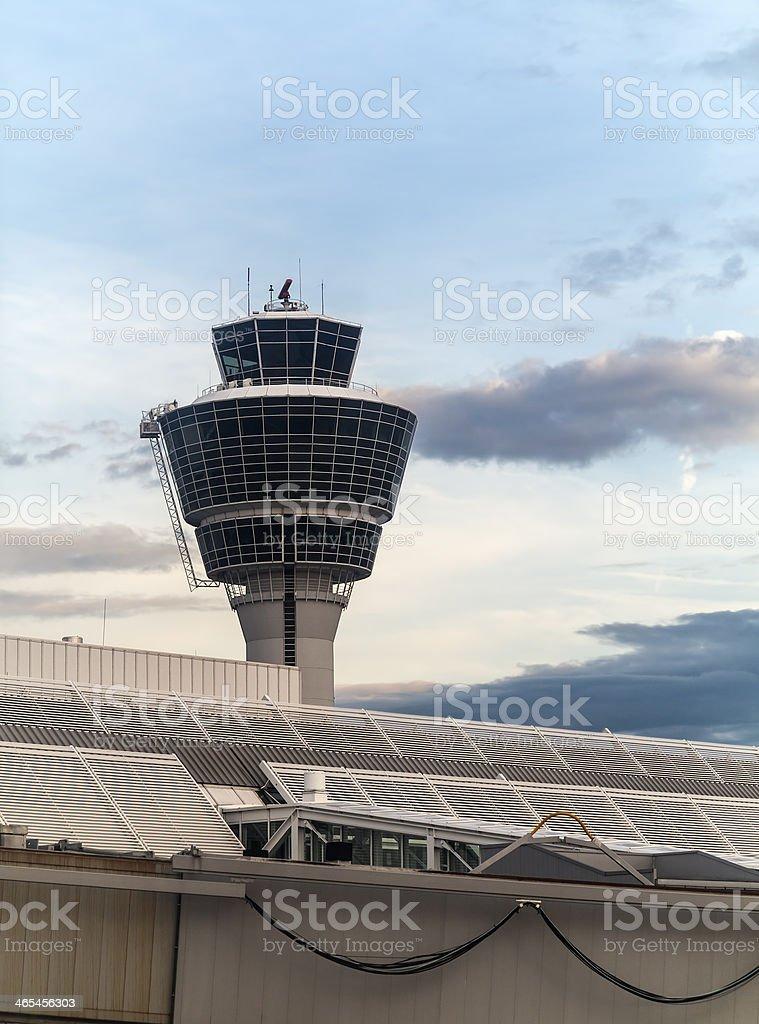 Torre Aeropuerto de Munich, Alemania - foto de stock