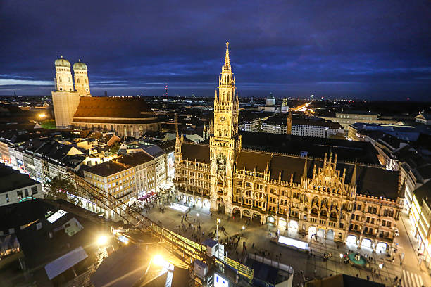 munich at night - münchens nya rådhus bildbanksfoton och bilder