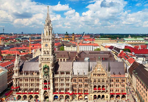 münchen centrum stadsbilden - münchens nya rådhus bildbanksfoton och bilder