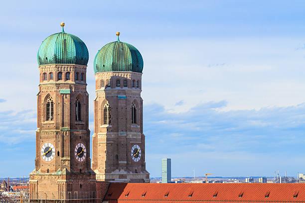 münchner frauenkirche, die kathedrale von unserem sehr geehrte dame, bayern, germa - münchner frauenkirche stock-fotos und bilder