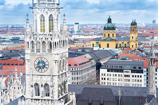munich, germany city hall - münchens nya rådhus bildbanksfoton och bilder