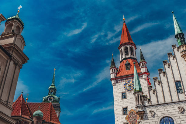 Altes Rathaus München mit Peterskirche am Marienplatz, München – Foto