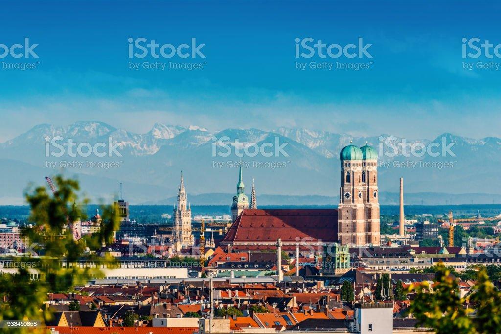 Skyline von München mit Frauenkirche Lizenzfreies stock-foto