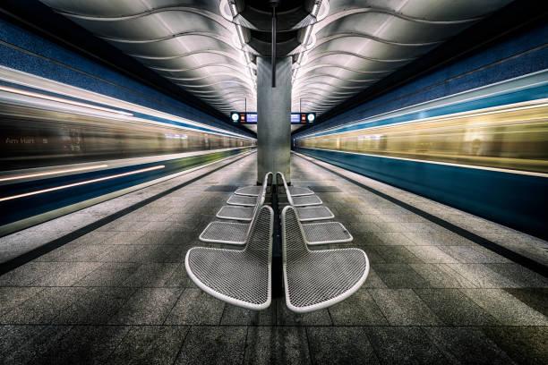 münchen underground serien 7 - munich train station bildbanksfoton och bilder