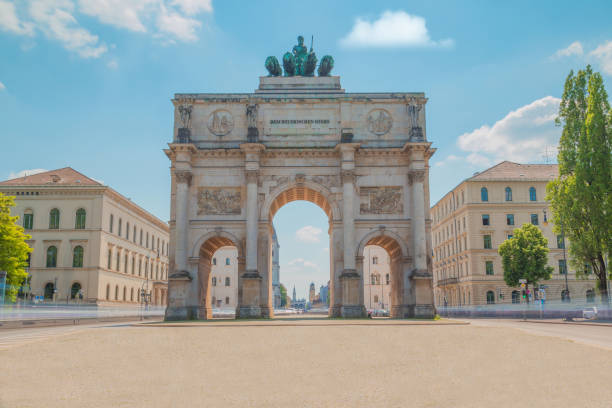 munich victory gate - cursed stock pictures, royalty-free photos & images