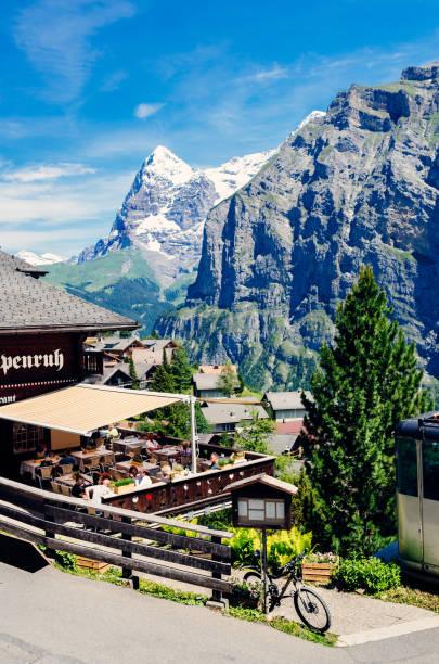 mürren dorf, berner oberland, schweiz - hotel bern stock-fotos und bilder