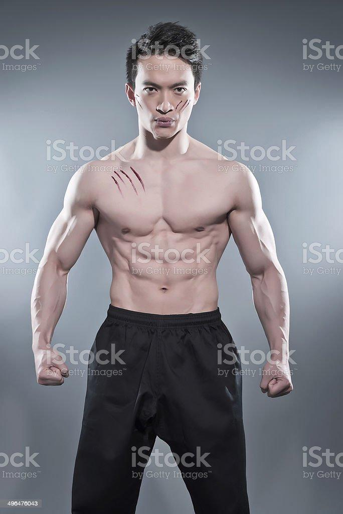 Fisico Asiatica Kung Fu Uomo In Posa Di Azione Fotografie Stock E