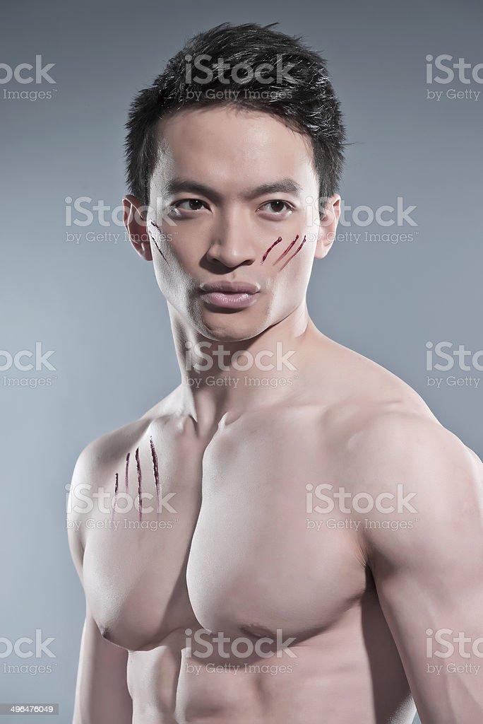 Fisico Uomo Asiatico Con Sangue Ai Graffi Fotografie Stock E Altre