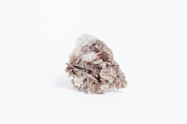 muscovite isolated on white background - łupek łyszczykowy zdjęcia i obrazy z banku zdjęć