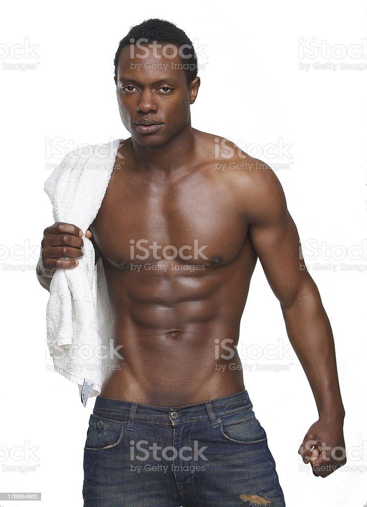 Homme Musculaire En Serviette Pas La Avec Chemise Afroaméricain Nest uTOZwPikXl