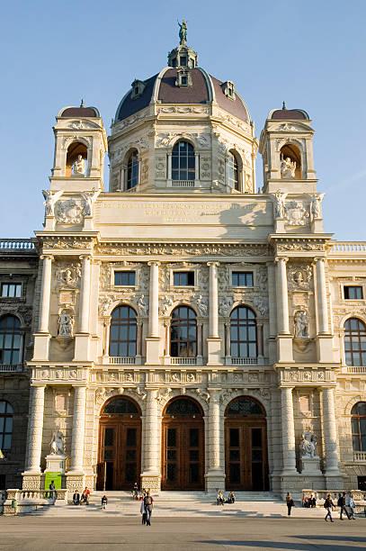 museum für kunst und geschichte - kunsthistorisches museum wien stock-fotos und bilder