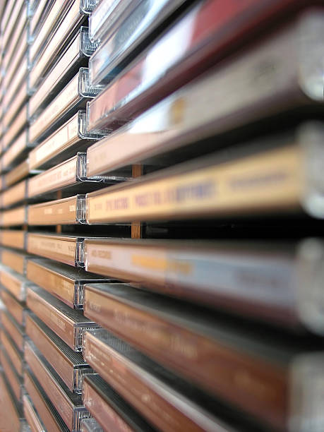 musik-cd stack - cd ständer stock-fotos und bilder
