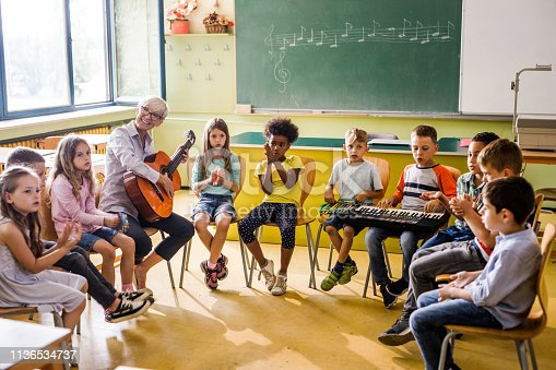 1155122702 istock photo Music class at elementary school! 1136534737