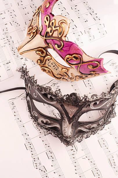 musik-maske - rosa camo party stock-fotos und bilder