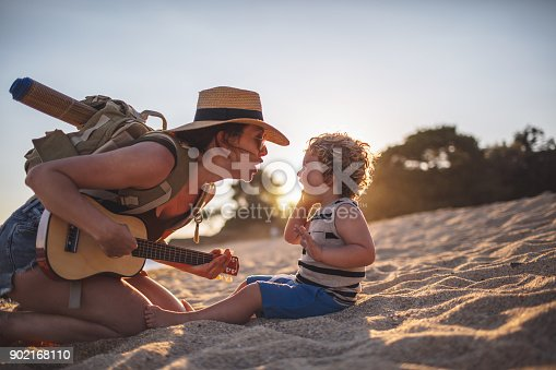 istock Music moments at the beach 902168110