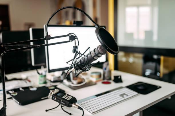 muziek productie-installaties. - podcast stockfoto's en -beelden