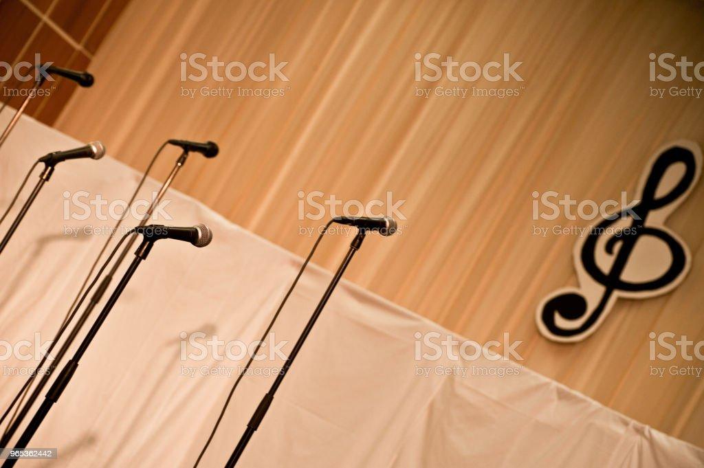 音樂舞臺 - 免版稅主音 - 歌手圖庫照片