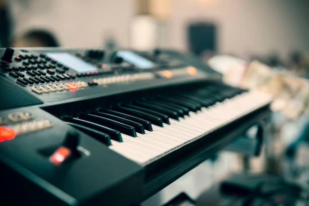 musical keyboard black musical keyboard, close up synthesizer stock pictures, royalty-free photos & images