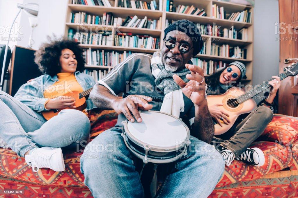 Musiker, die Spaß – Foto