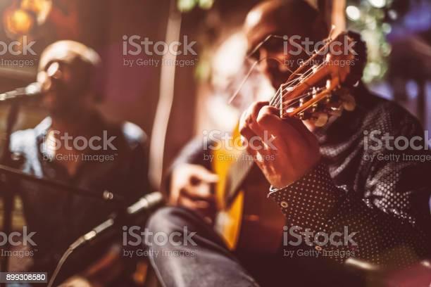 Musicians on a stage picture id899308580?b=1&k=6&m=899308580&s=612x612&h=rabyssmtzlkf5wbgv 3wgtgn vtmlln ukgonzdydme=